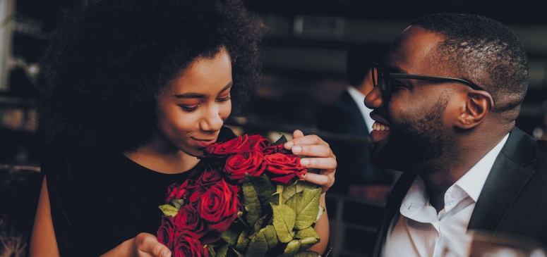 slider-couple-roses